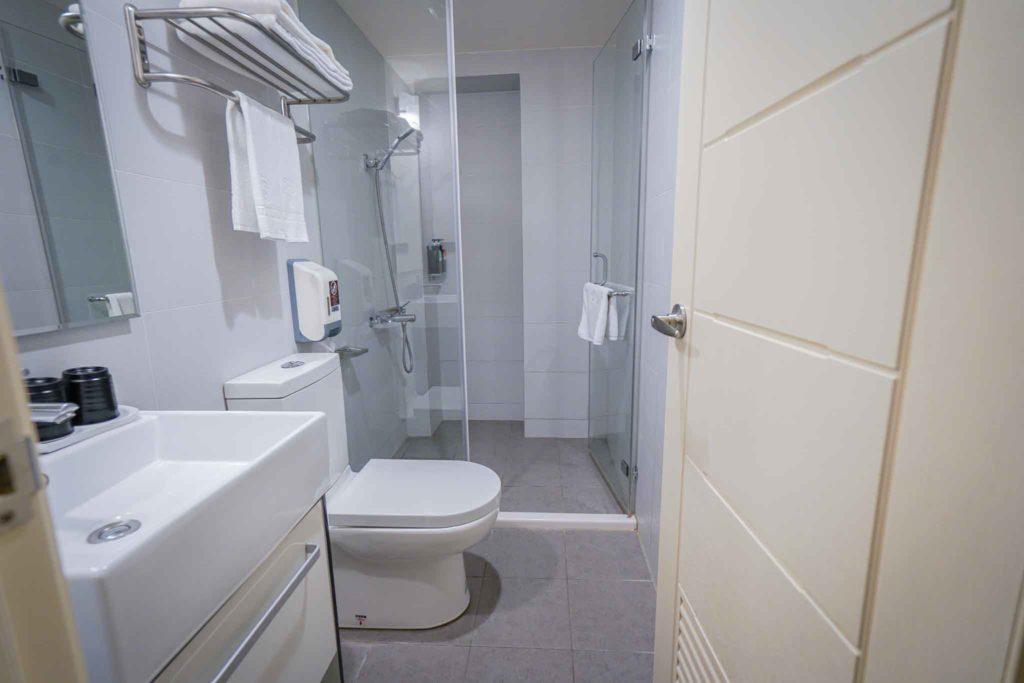 塔木德台南會館雙 人房浴室