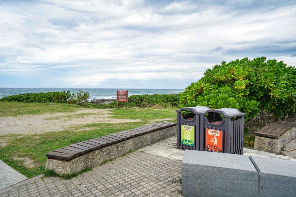 加路蘭遊憩區丟垃圾桶