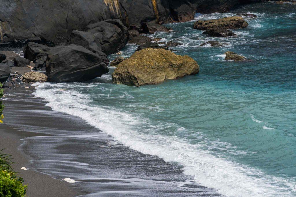 石雨傘沙灘