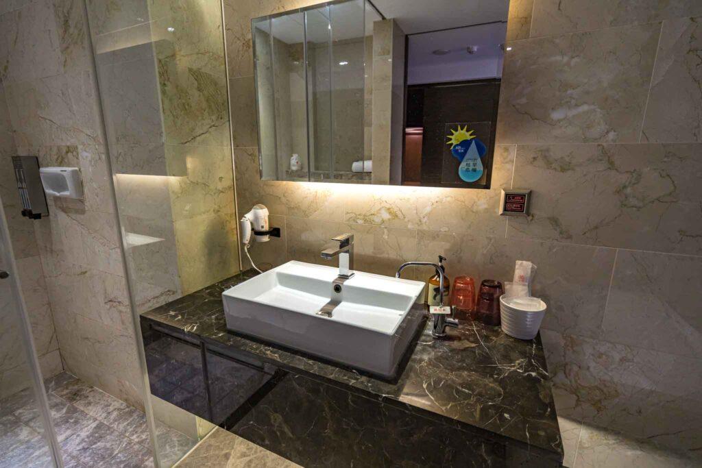 冠月精品旅館浴室