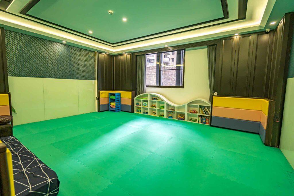 冠月精品旅館親子遊戲室