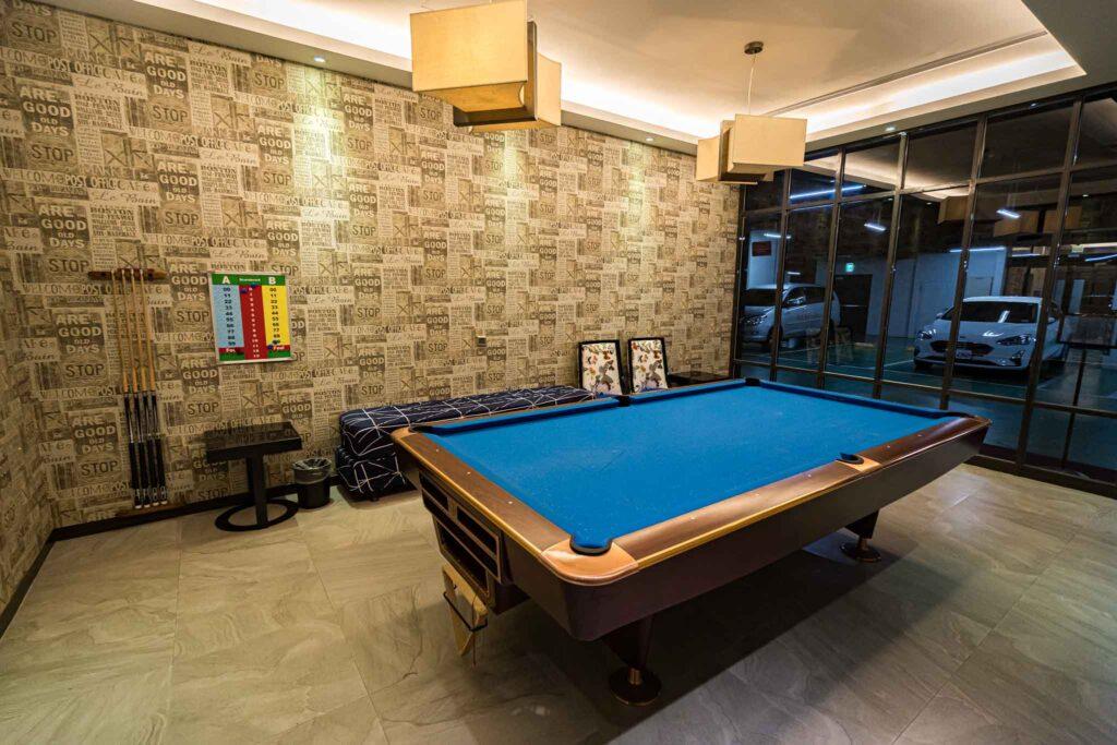 冠月精品旅館桌球室