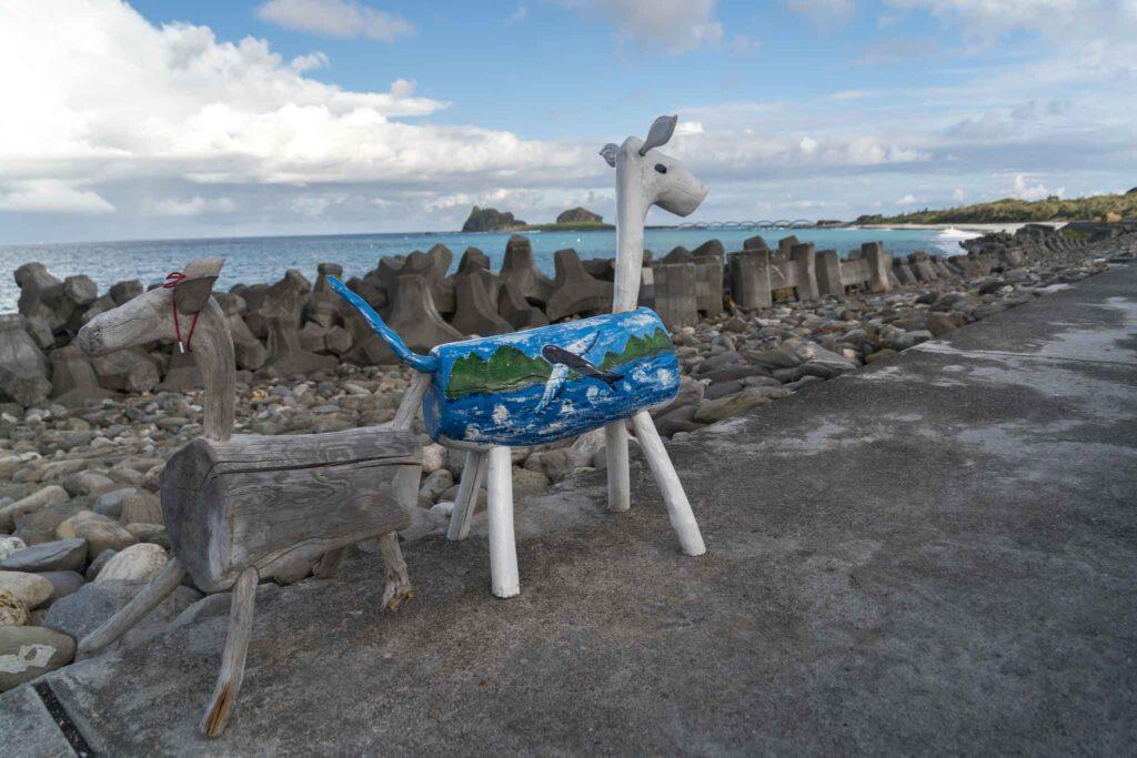 比西里岸漂流木藝術