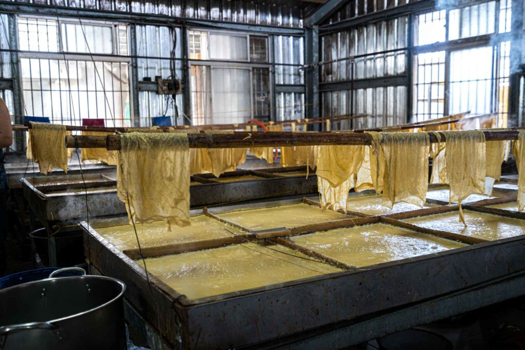 大池豆包豆皮豆漿店豆包製作