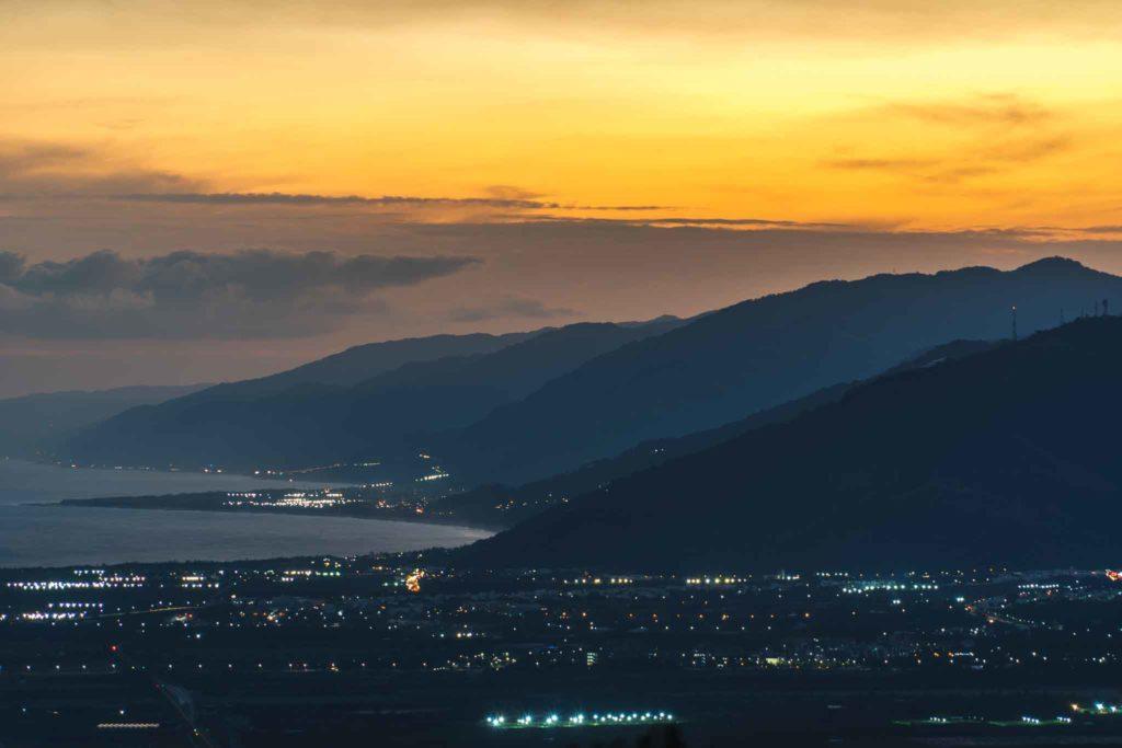 頂岩灣四格山傍晚往太麻里方向風景