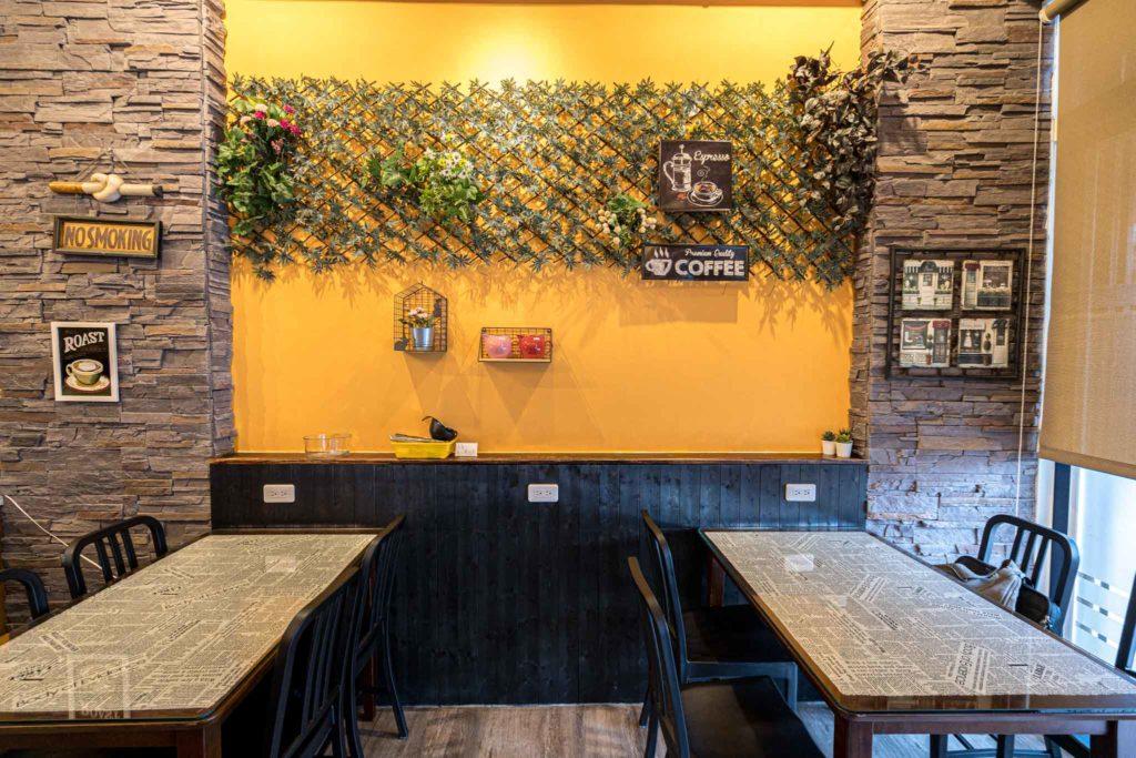 台東日光咖啡館(早午餐)插頭位子